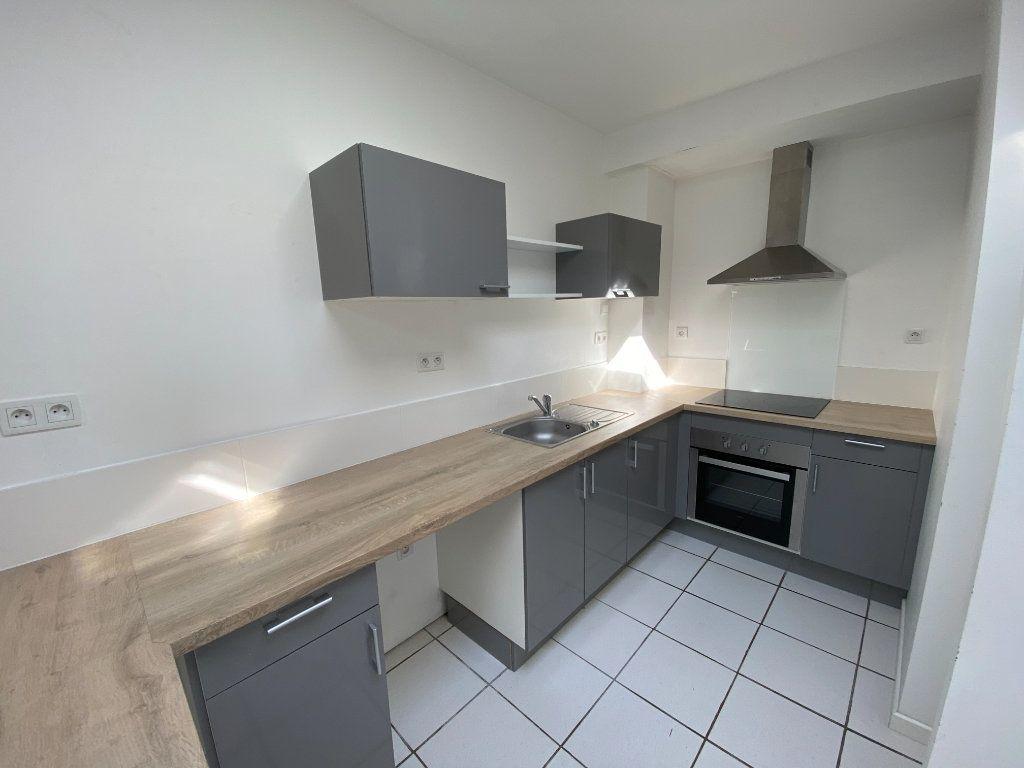 Appartement à louer 3 90m2 à Armentières vignette-1