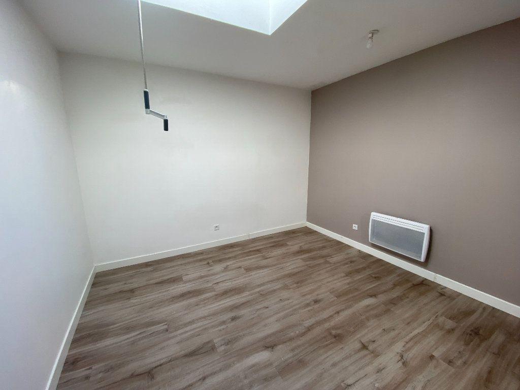 Appartement à louer 3 90m2 à Armentières vignette-2
