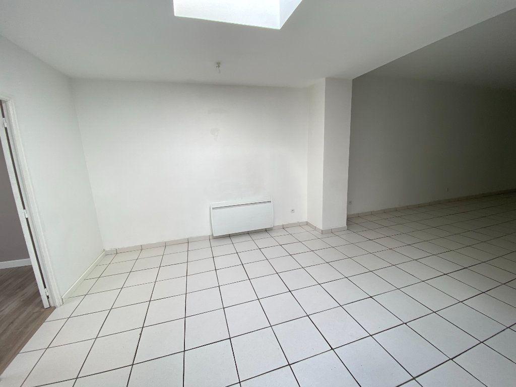 Appartement à louer 3 90m2 à Armentières vignette-5