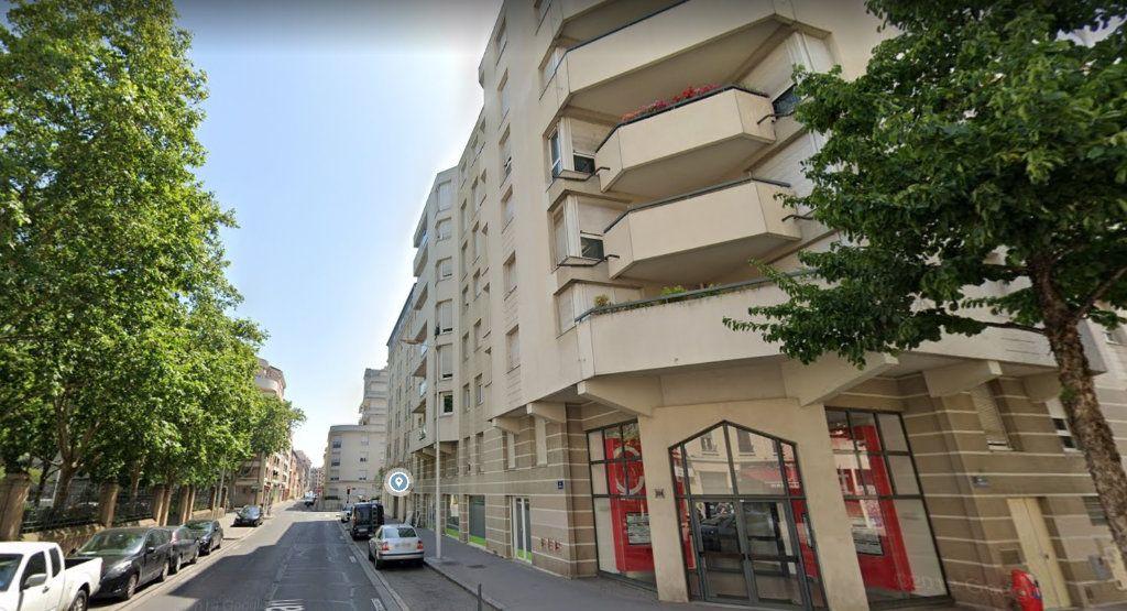 Appartement à louer 1 28.8m2 à Lyon 3 vignette-9