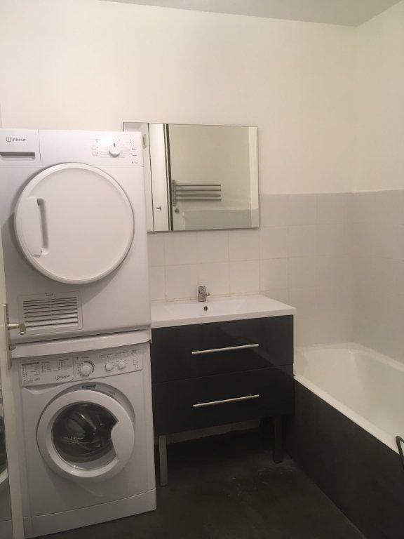 Appartement à louer 2 58.05m2 à Lyon 3 vignette-8