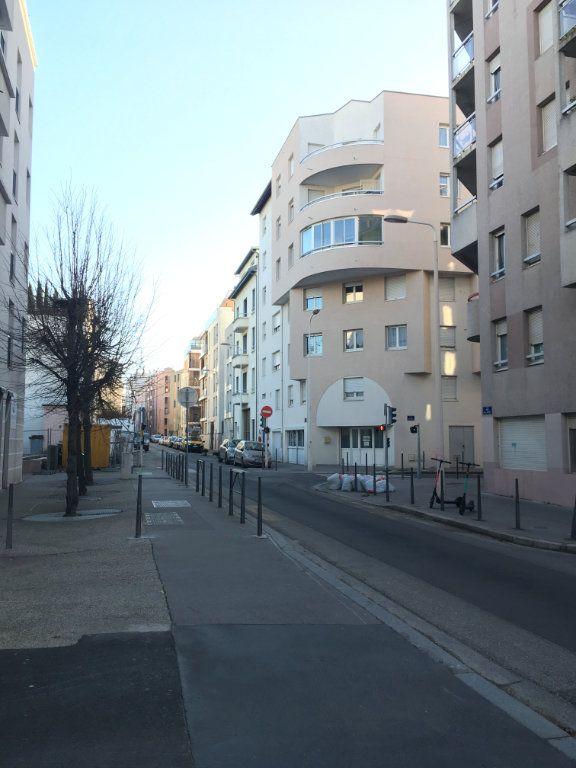 Appartement à louer 2 58.05m2 à Lyon 3 vignette-14