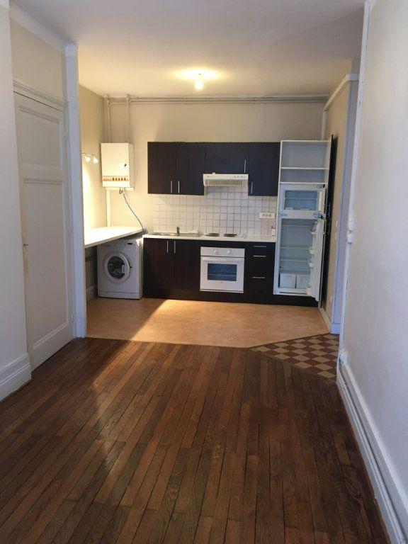 Appartement à louer 2 43.51m2 à Lyon 3 vignette-2