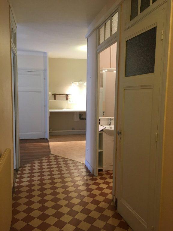 Appartement à louer 2 43.51m2 à Lyon 3 vignette-6