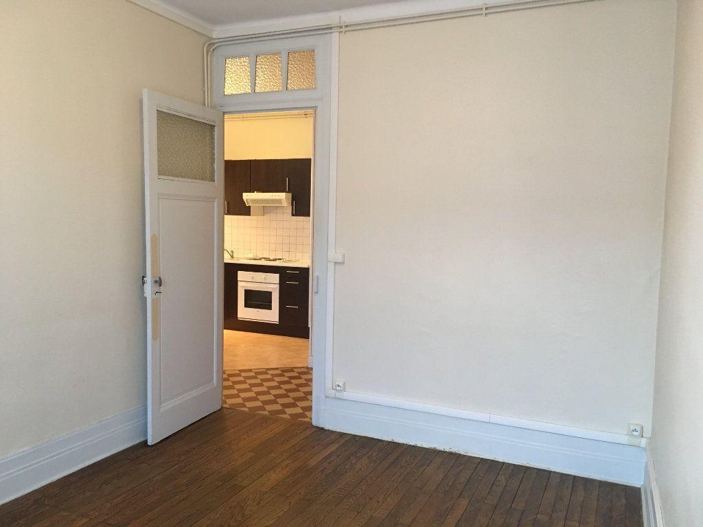 Appartement à louer 2 43.51m2 à Lyon 3 vignette-10