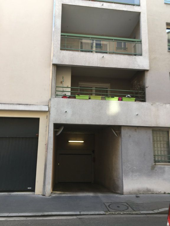 Stationnement à louer 0 0m2 à Lyon 3 vignette-4