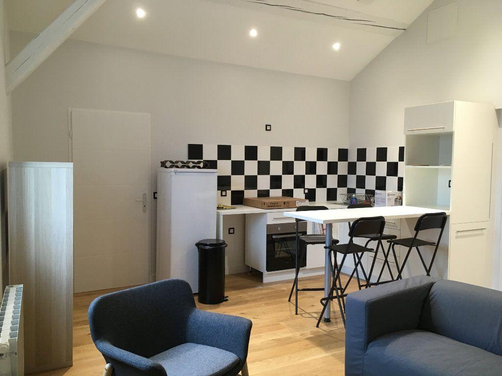 Appartement à louer 3 45m2 à Lyon 3 vignette-2