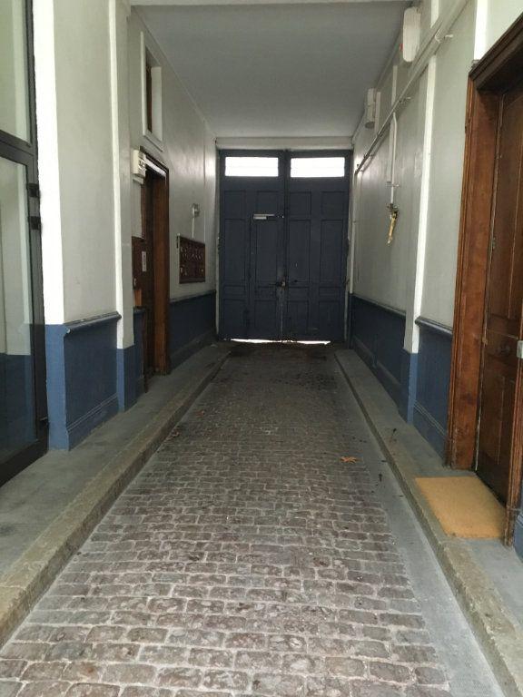 Appartement à louer 3 45m2 à Lyon 3 vignette-13