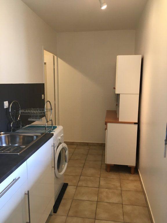 Appartement à louer 2 44.64m2 à Lyon 3 vignette-9
