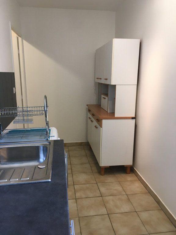 Appartement à louer 2 44.64m2 à Lyon 3 vignette-10