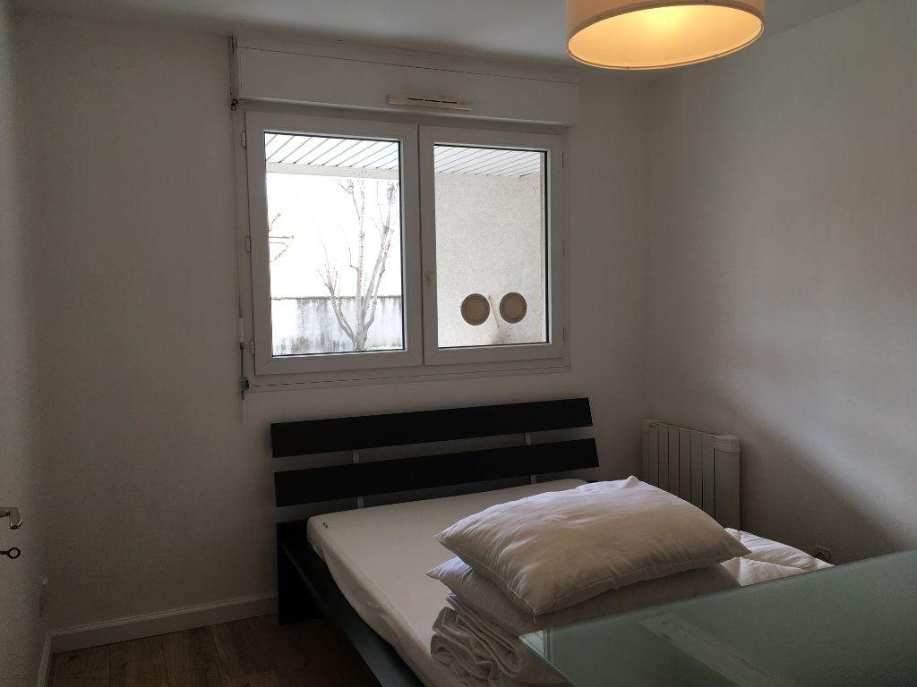 Appartement à louer 2 44.64m2 à Lyon 3 vignette-13