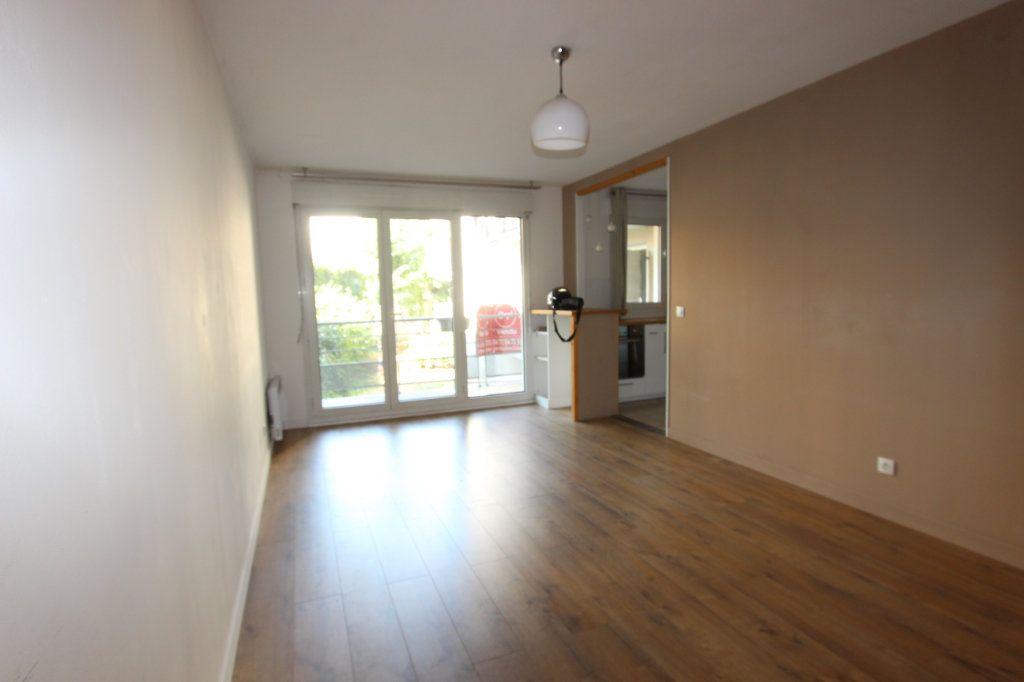 Appartement à vendre 2 48.71m2 à Lyon 3 vignette-3
