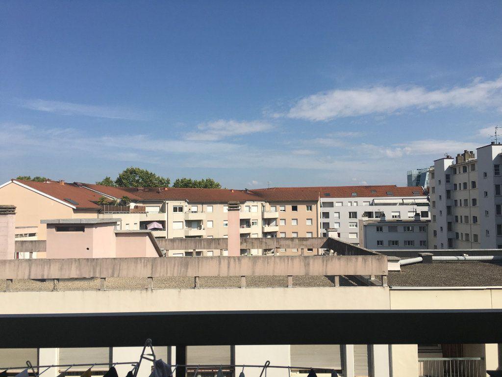 Appartement à vendre 3 76.06m2 à Lyon 3 vignette-2