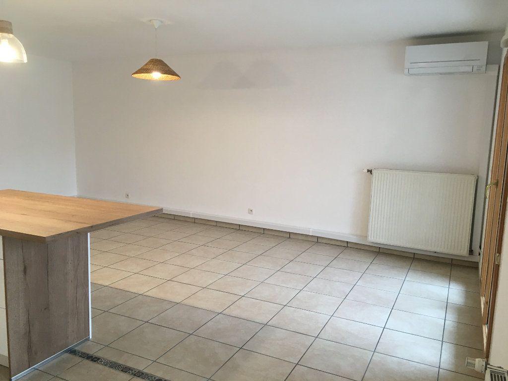 Appartement à louer 3 75.5m2 à Lyon 3 vignette-4
