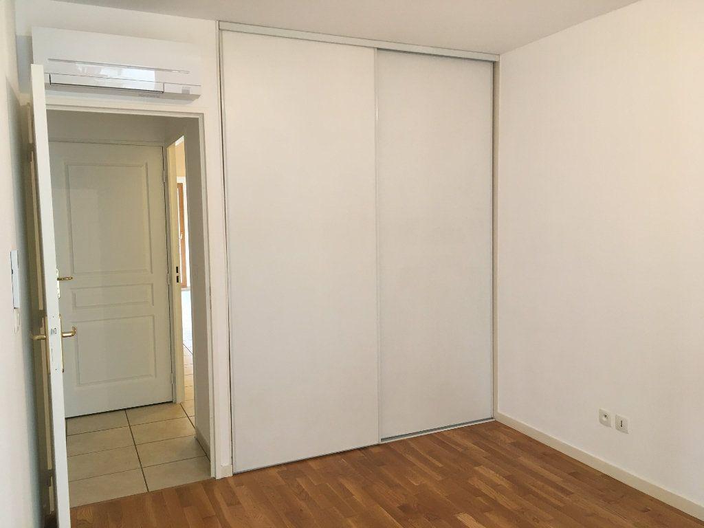 Appartement à louer 3 75.5m2 à Lyon 3 vignette-7