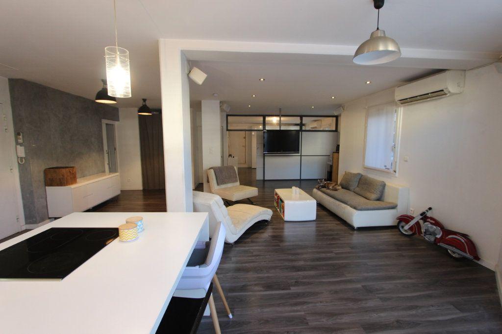 Appartement à vendre 3 93.76m2 à Villeurbanne vignette-2