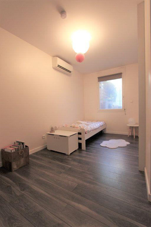 Appartement à vendre 3 93.76m2 à Villeurbanne vignette-6