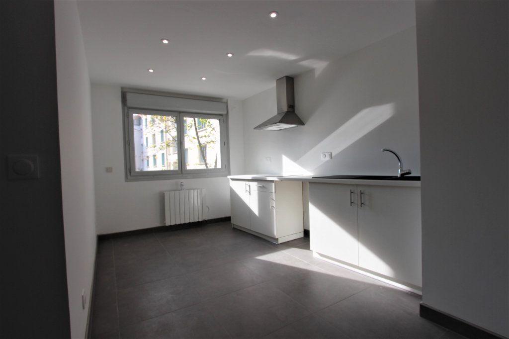 Appartement à vendre 4 85.66m2 à Lyon 3 vignette-3