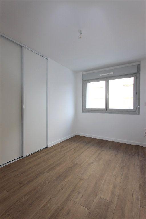 Appartement à vendre 4 85.66m2 à Lyon 3 vignette-6