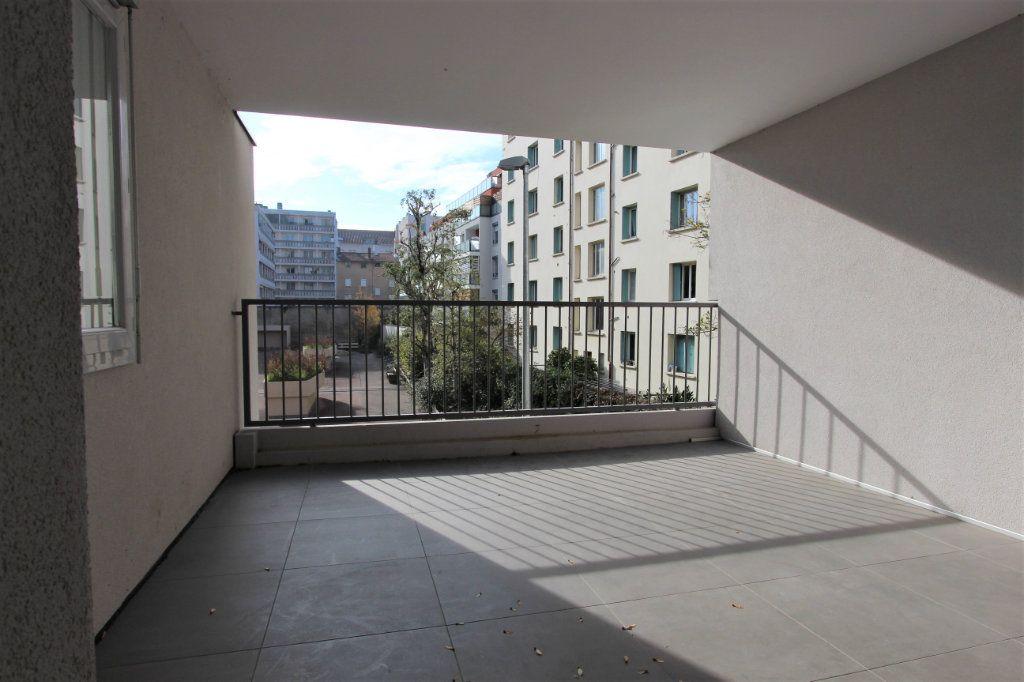 Appartement à vendre 4 85.66m2 à Lyon 3 vignette-8