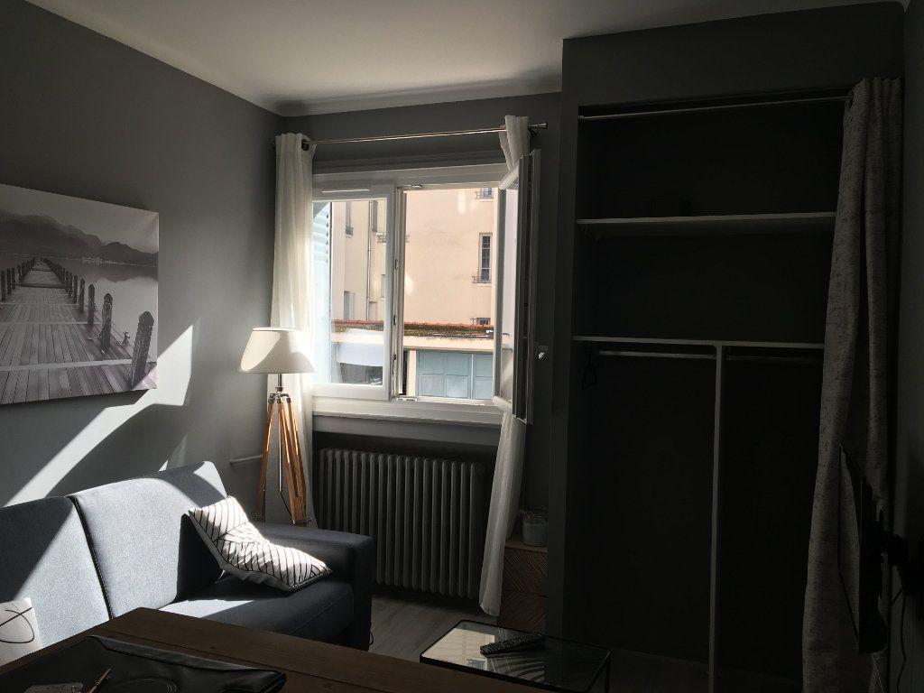 Appartement à louer 1 17.65m2 à Lyon 3 vignette-4