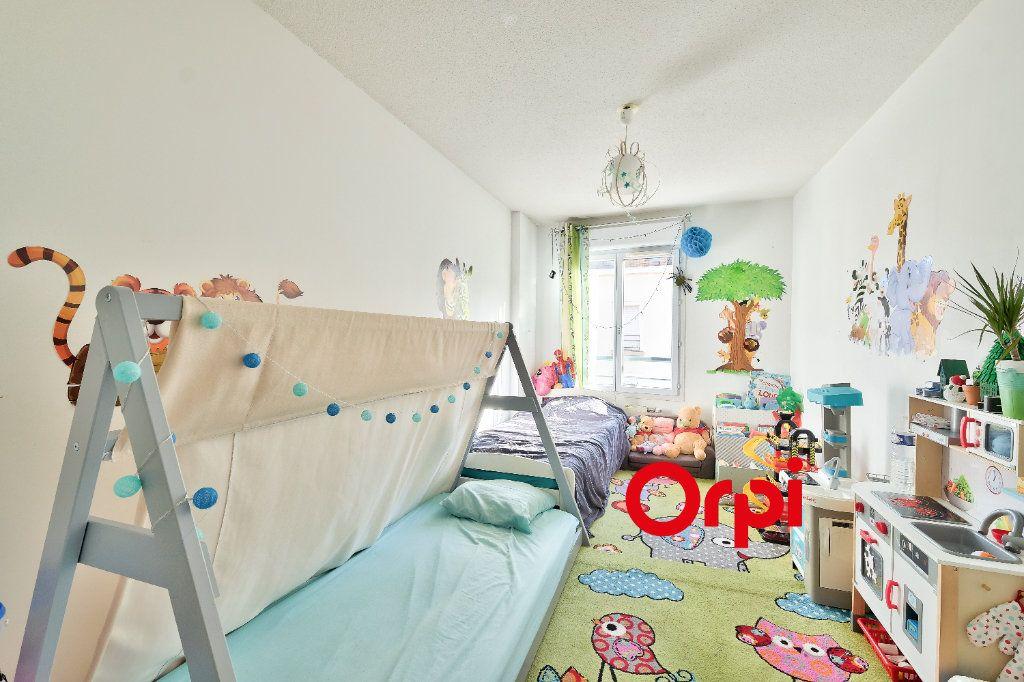 Appartement à vendre 4 87.69m2 à Lyon 3 vignette-9