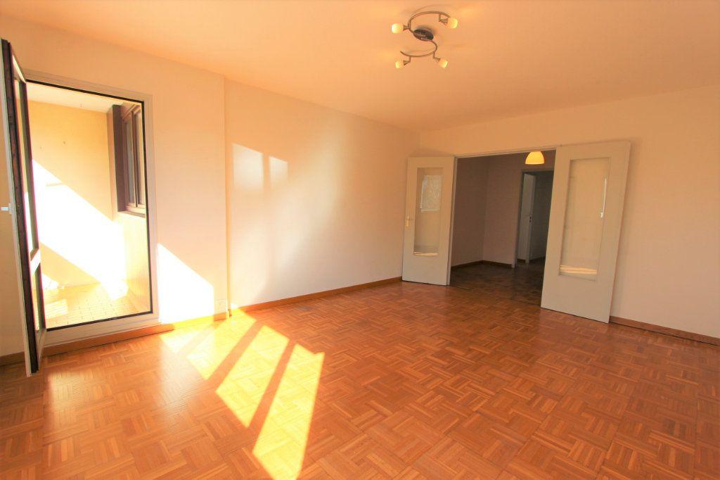 Appartement à vendre 3 67.8m2 à Lyon 3 vignette-4