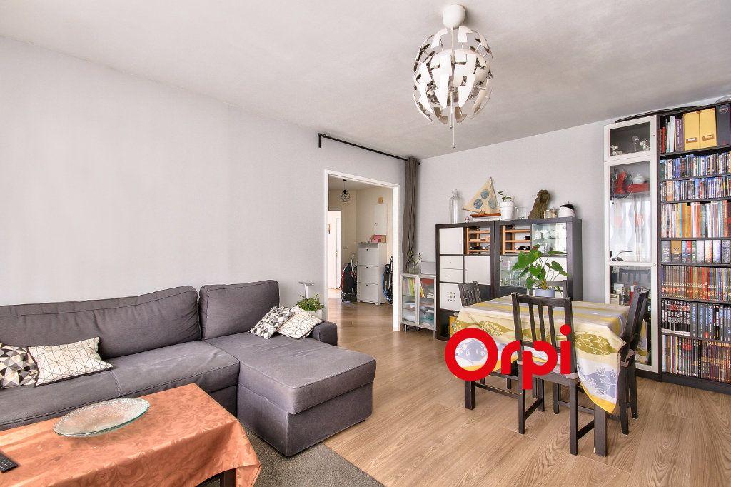 Appartement à vendre 3 80.6m2 à Lyon 3 vignette-2