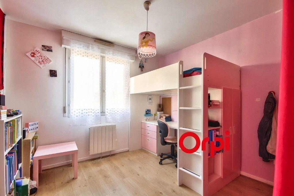 Appartement à vendre 3 80.6m2 à Lyon 3 vignette-4