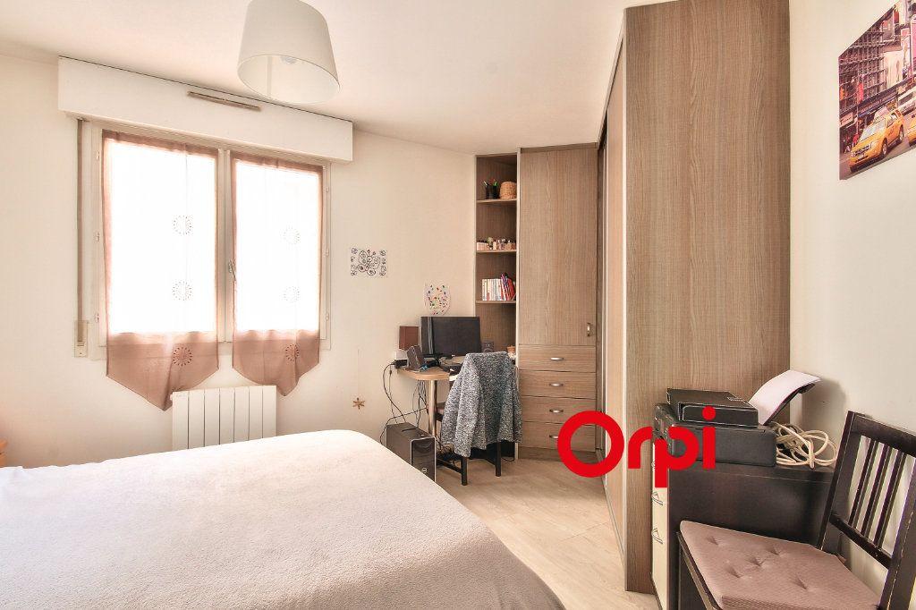 Appartement à vendre 3 80.6m2 à Lyon 3 vignette-5