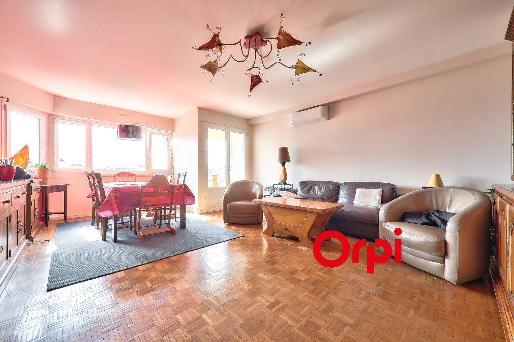Appartement à vendre 4 91.74m2 à Lyon 7 vignette-2