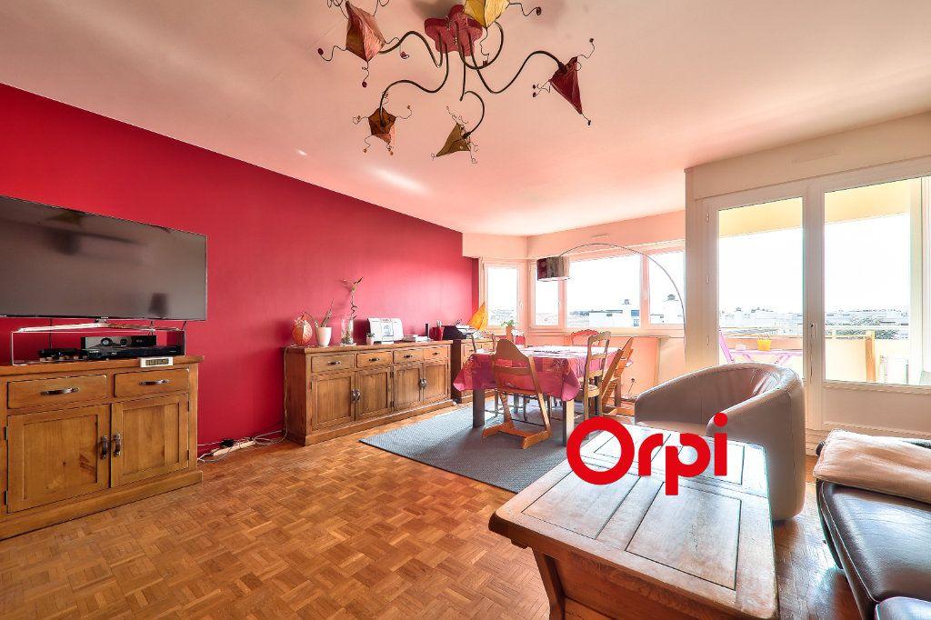 Appartement à vendre 4 91.74m2 à Lyon 7 vignette-3