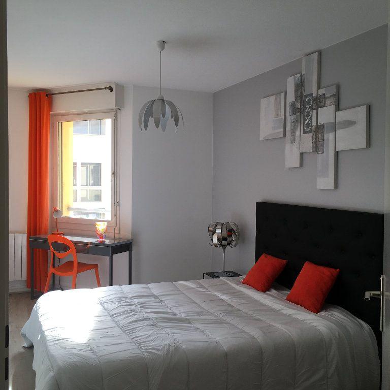 Appartement à louer 3 68.03m2 à Lyon 3 vignette-6