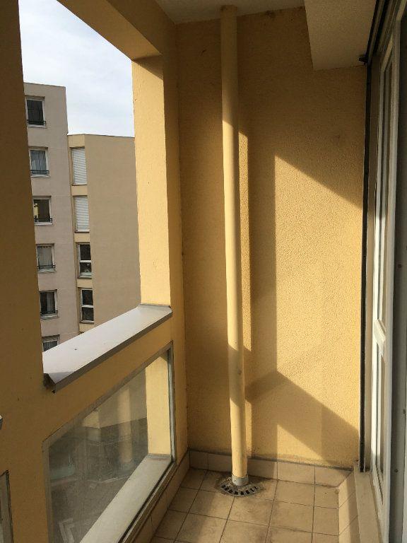 Appartement à louer 3 68.03m2 à Lyon 3 vignette-10