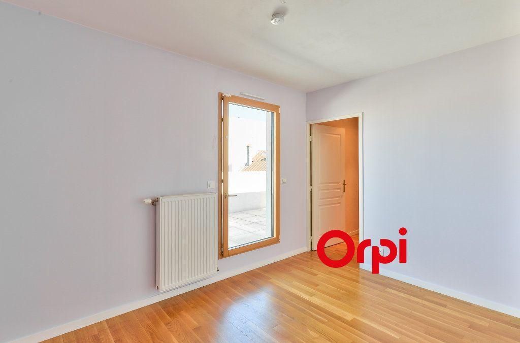 Appartement à vendre 5 121.9m2 à Lyon 3 vignette-7