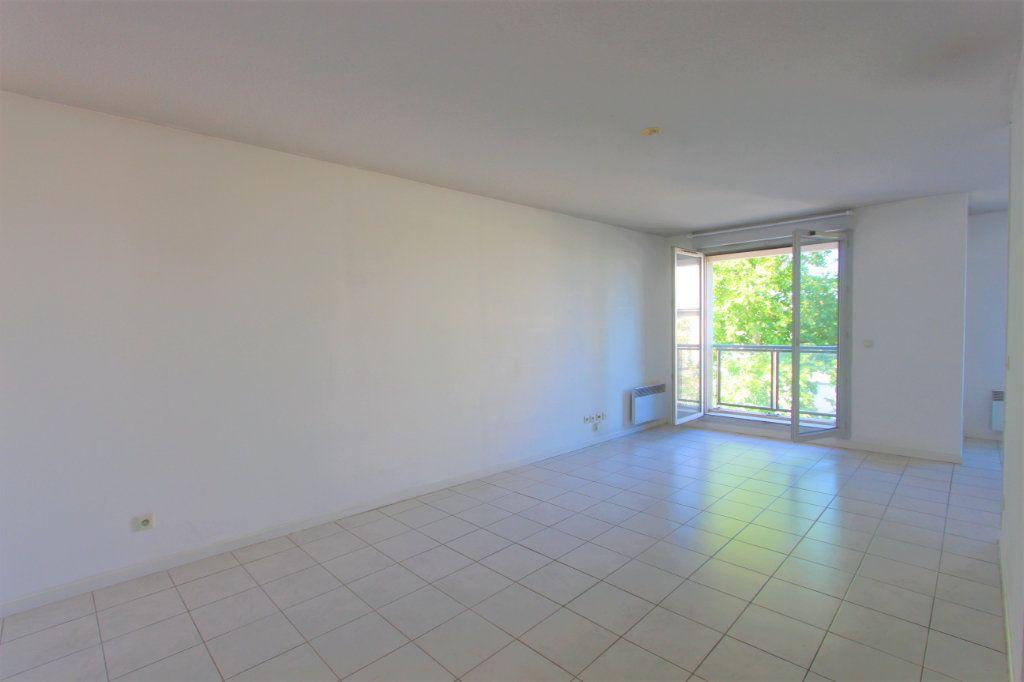 Appartement à vendre 2 51.11m2 à Lyon 8 vignette-1