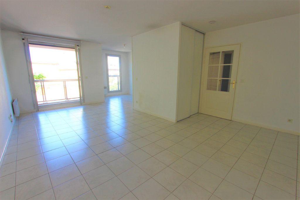 Appartement à vendre 2 51.11m2 à Lyon 8 vignette-2