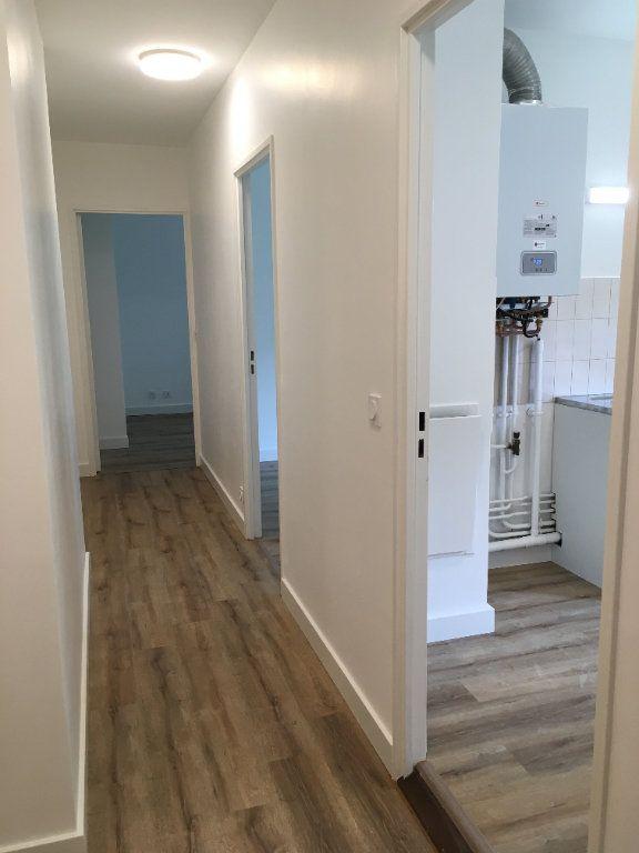 Appartement à louer 3 61.74m2 à Lyon 3 vignette-2