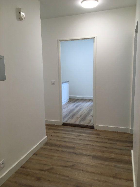 Appartement à louer 3 61.74m2 à Lyon 3 vignette-9