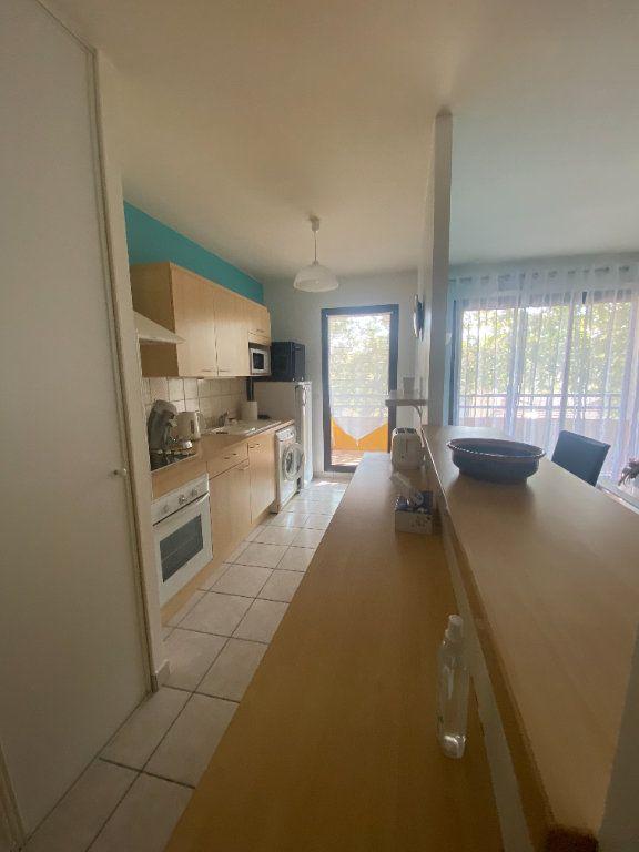 Appartement à louer 2 51.02m2 à Lyon 3 vignette-3