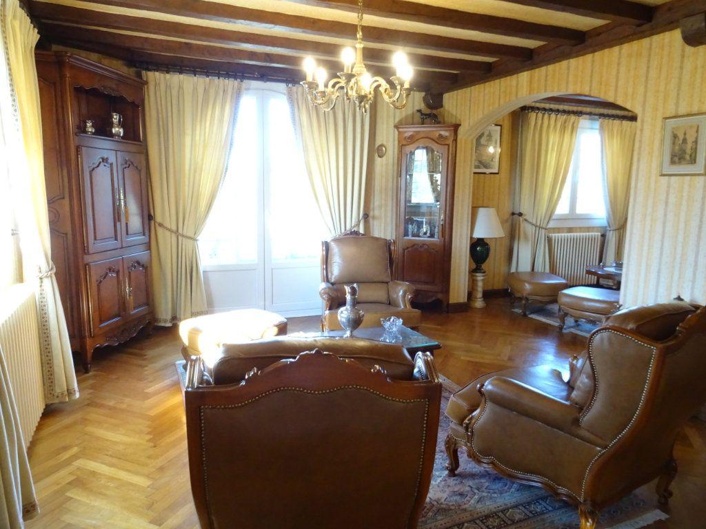 Maison à vendre 5 160m2 à Ainhoa vignette-3