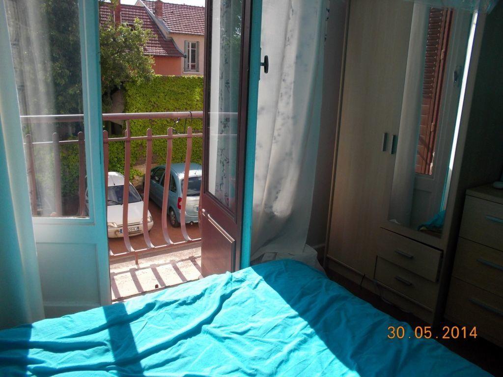 Appartement à louer 2 49.7m2 à Bron vignette-1