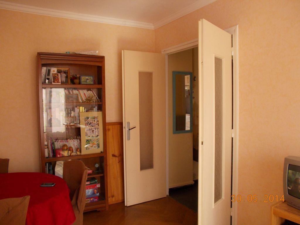 Appartement à louer 2 49.7m2 à Bron vignette-2