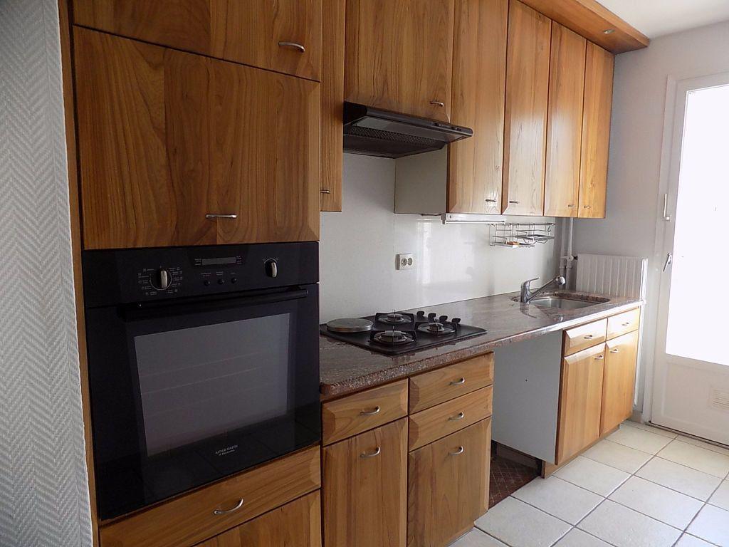 Appartement à louer 5 112.02m2 à Caluire-et-Cuire vignette-7