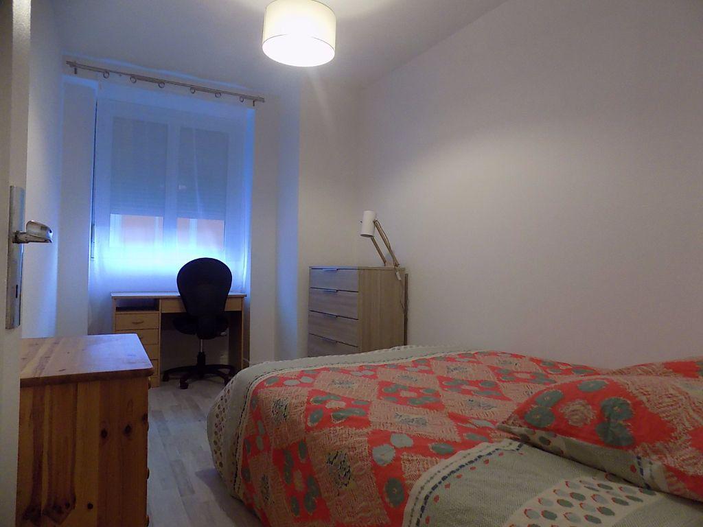 Appartement à louer 1 11m2 à Lyon 6 vignette-7