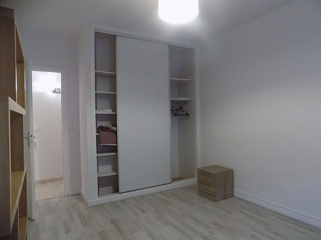 Appartement à louer 1 11m2 à Lyon 6 vignette-9