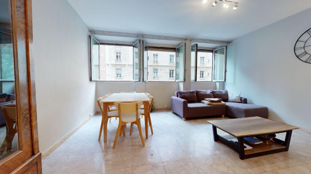 Appartement à louer 1 11m2 à Lyon 6 vignette-12