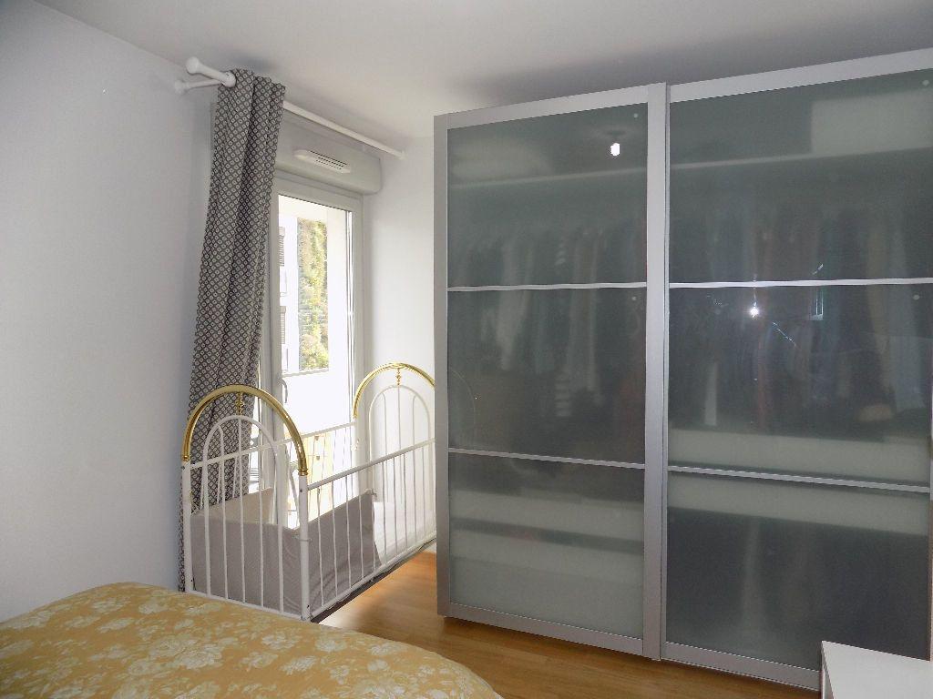 Appartement à louer 3 49m2 à Lyon 7 vignette-9