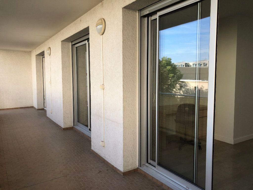 Appartement à louer 1 14m2 à Lyon 7 vignette-3