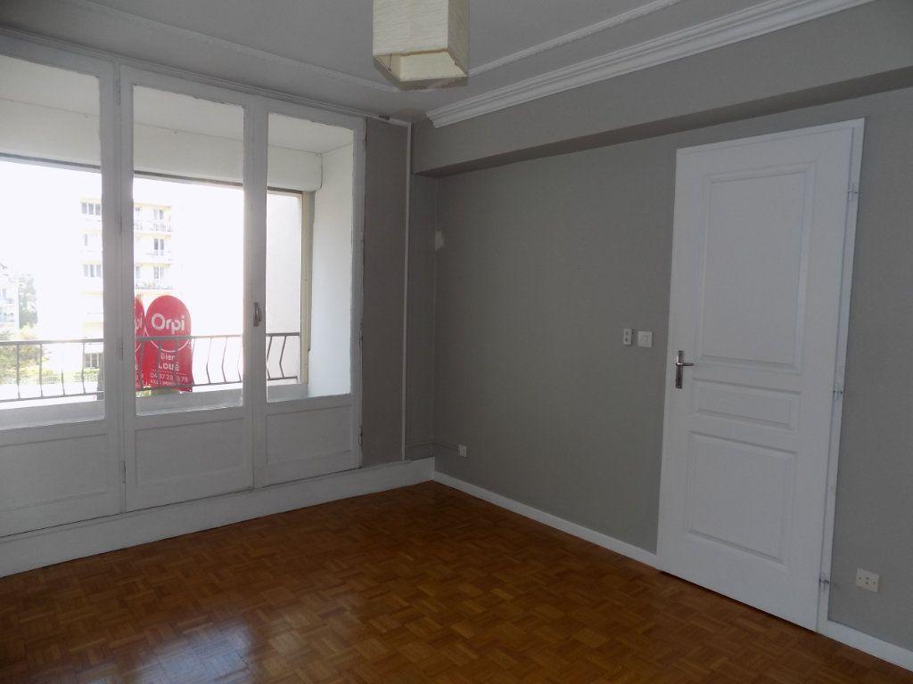 Appartement à louer 4 84.81m2 à Bron vignette-7